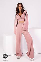Женский розовый брючный костюм-тройка