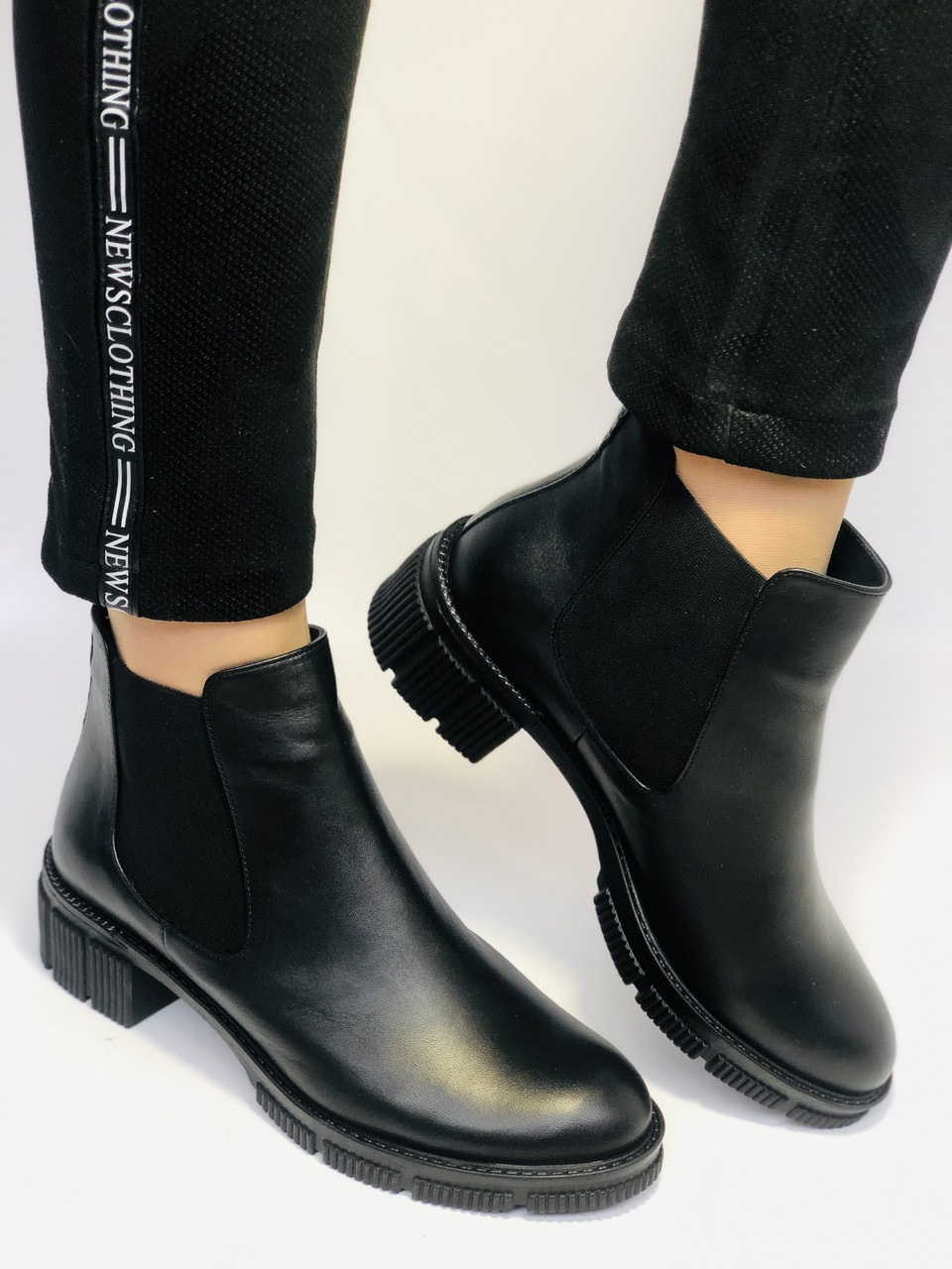 Турецькі жіночі осінні черевики Челсі. На низькій підошві. Натуральна шкіра. Stella Morzettу. Р 36 38.39 40