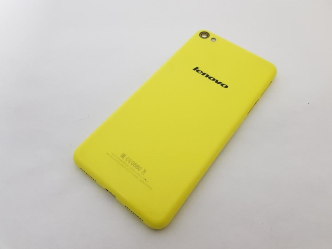 С дефектом. Задняя крышка Lenovo S60 Желтая Сервисный оригинал с разборки