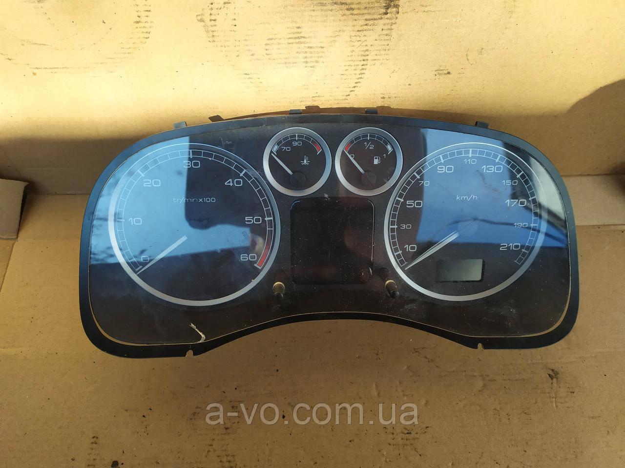 Щиток панель приборов Peugeot 307 ,1.6 HDI , P9647538480