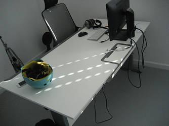 Стол компьютерный регулируемый по высоте 1410х814 Enrandnepr белый регулируемый стол, Серый