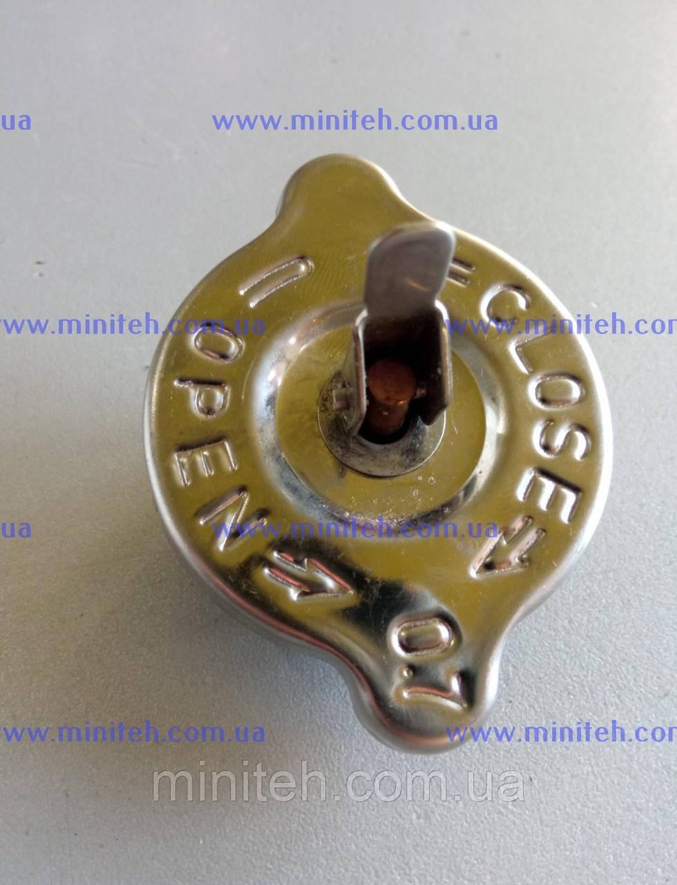 Кришка радіатора з клапаном скидання дв. R 175/180