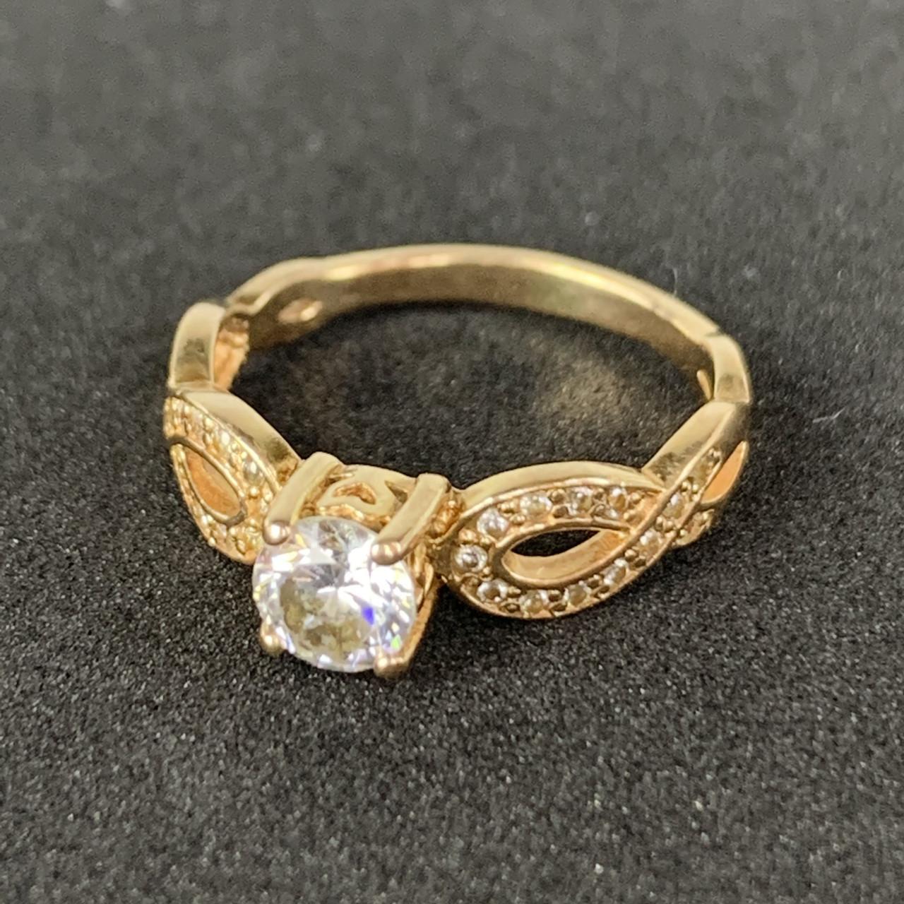 Золотое кольцо с фианитами 585 пробы, вес 2,49г. Б/у. Продажа из ломбарда