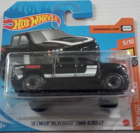 Машинка Hot Wheels 2020 '19 Chevy Silverado Trail Boss LT