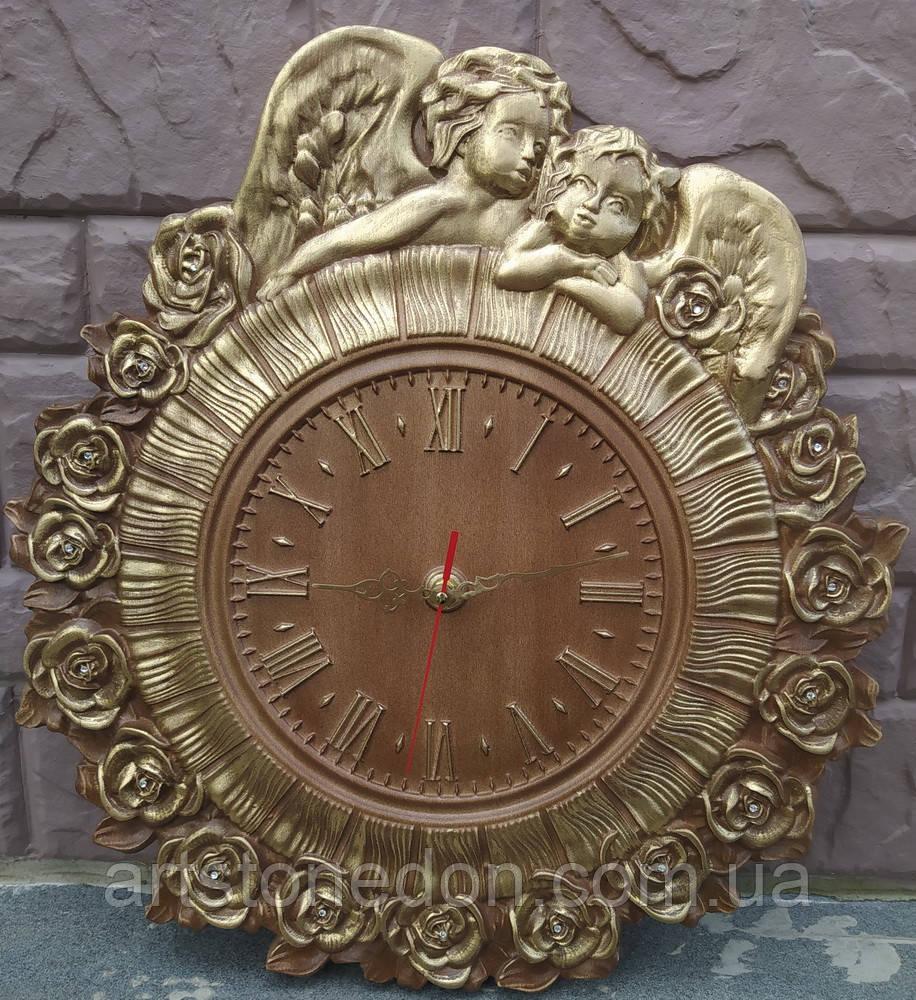 Часы резные Ангелы с розами