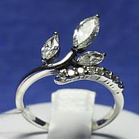 Кольцо из черного серебра с камнями фианита 1036
