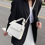 Женская квадратная сумочка на ремешке рептилия белая, фото 10