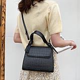 Женская квадратная сумочка кроссбоди на ремешке рептилия черная, фото 6