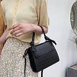 Женская квадратная сумочка кроссбоди на ремешке рептилия черная, фото 3
