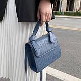 Женская квадратная сумочка кроссбоди на ремешке рептилия синяя голубая, фото 2