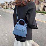 Женская квадратная сумочка кроссбоди на ремешке рептилия синяя голубая, фото 3