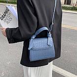 Женская квадратная сумочка кроссбоди на ремешке рептилия синяя голубая, фото 6