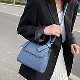 Женская квадратная сумочка кроссбоди на ремешке рептилия синяя голубая, фото 9