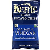 ОРИГІНАЛ!Kettle Foods,Картопляні чіпси,морська сіль і оцет 142 грам виробництва США