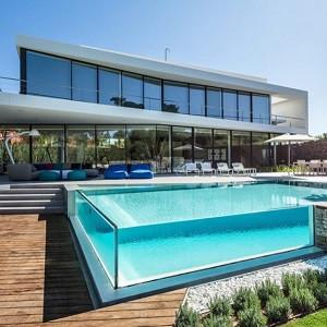 Скляні басейни