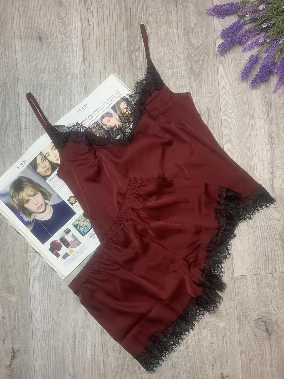 Пижама из шелка Армани с кружевом, комплект майка и шорты