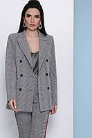 Жіночий піджак двобортний