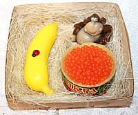 """Новогодний набор мыла ручной работы """"Обезьяна средняя, банан, красная икра"""""""