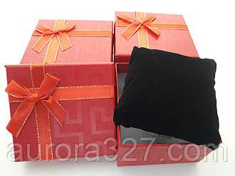 """Подарункова коробочка під годинник """"Геометрія з бантом"""" Червоний"""
