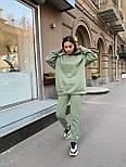 Женский спортивный костюм с начесом с объемным худи и штанами на манжетах 34051130, фото 9