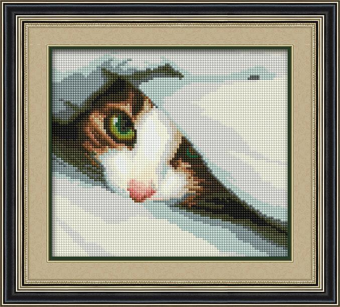 Алмазная мозаика Спрятался (котенок) Dream Art 30021 22x25см 22 цветов, квадр.стразы, полная зашивка. Набор