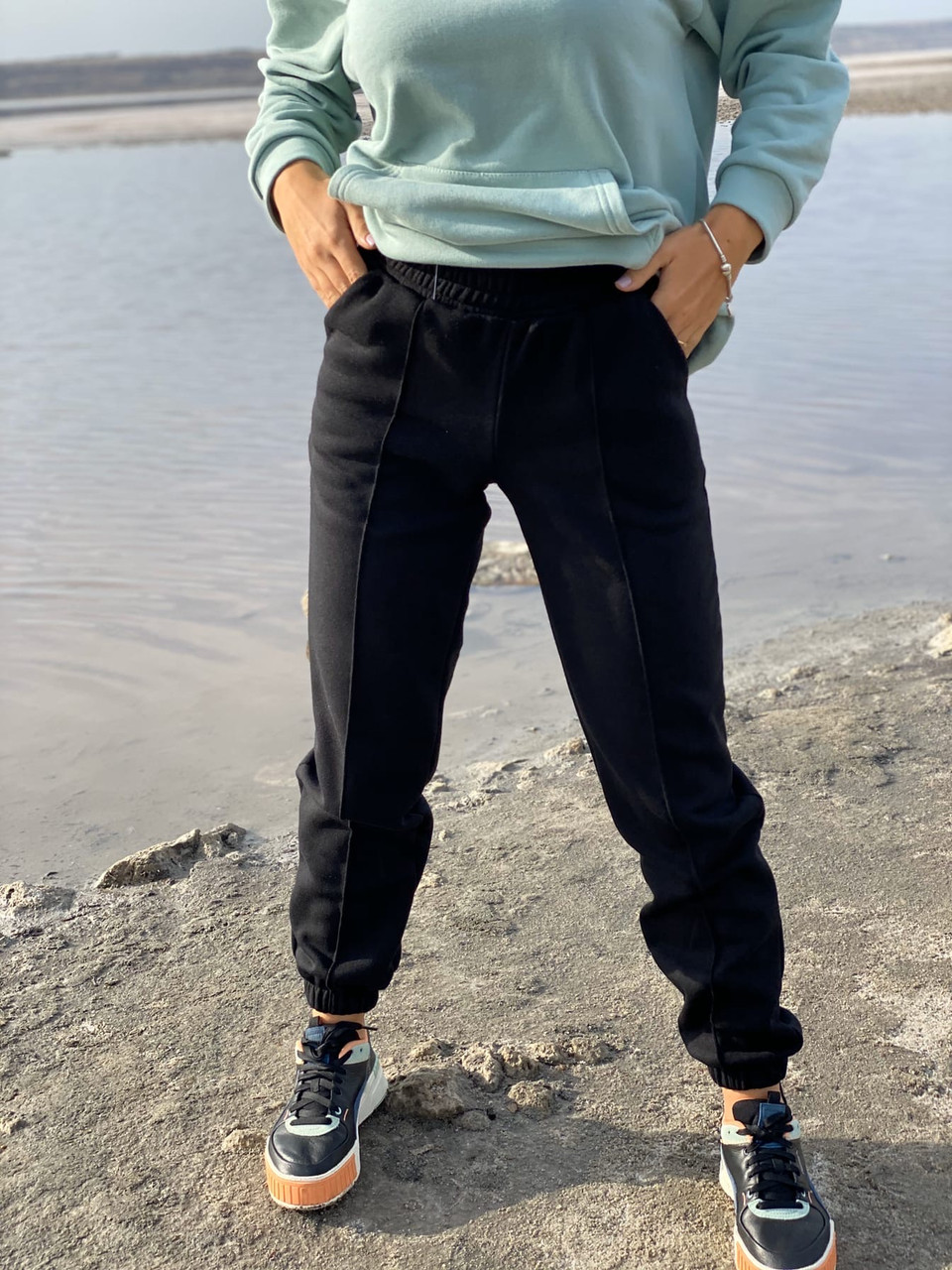 Спортивные штаны женские тёплые. Цвета: чёрный, серый, беж. Размеры: 42-44, 46-48, 50-52