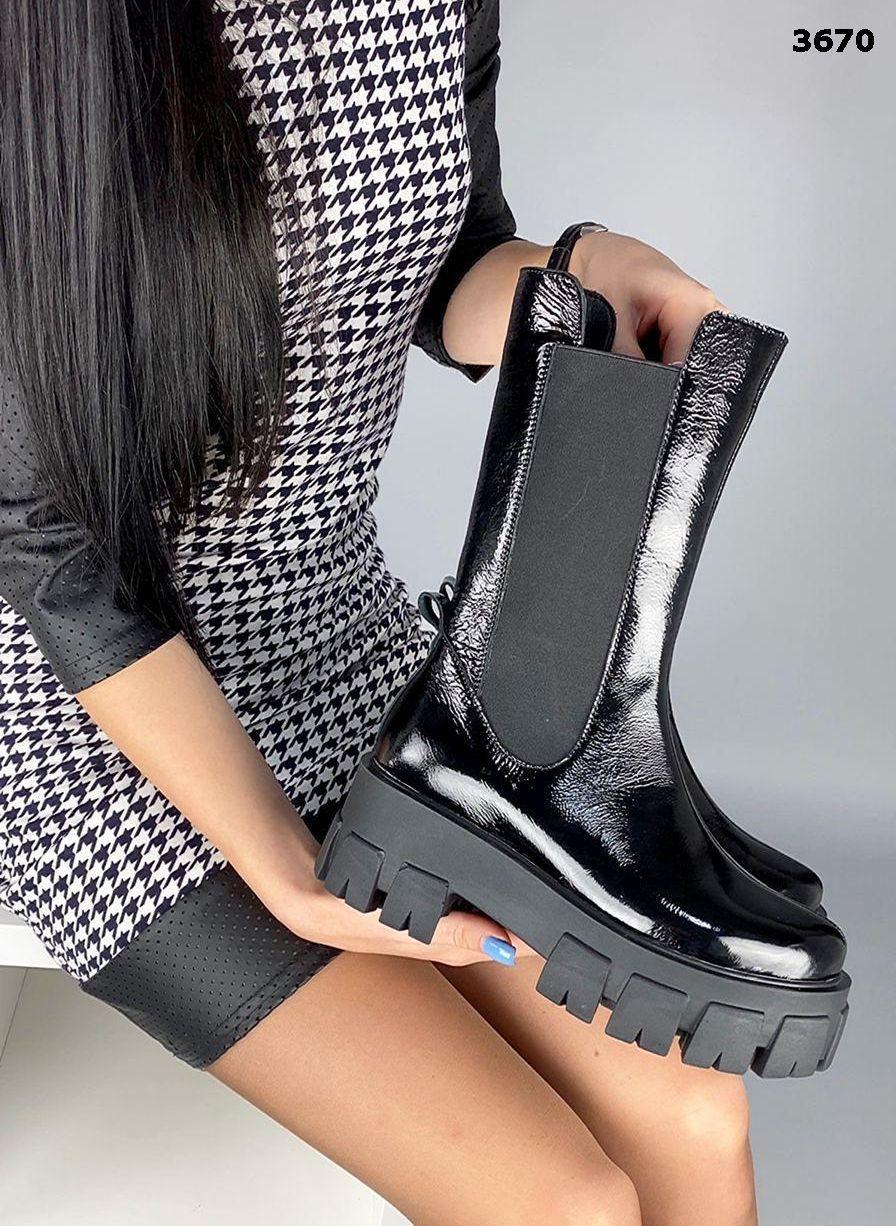 Женские кожаные лаковые демисезонные высокие ботинки 39р чёрный