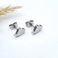 Сережки-гвоздики из хирургической стали в виде сердечка 176379, фото 1