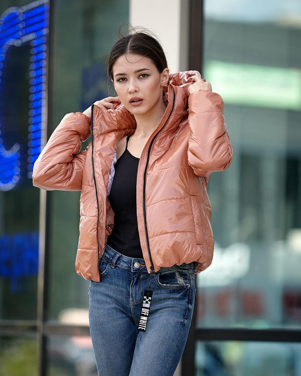 Женская куртка осень-весна бежевого цвета