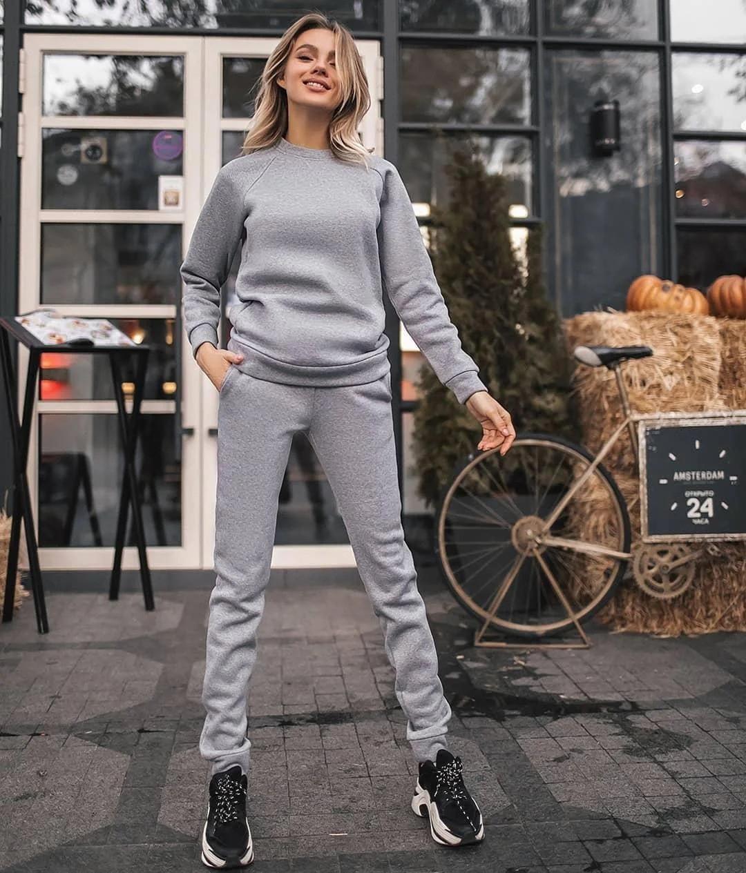 Стильний однотонний костюм двійка : кофта та штани на флісі