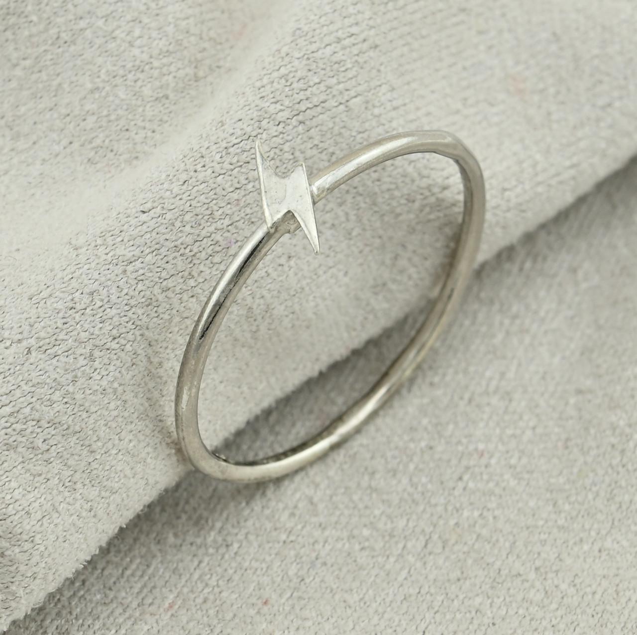 Серебряное кольцо Молния ширина 6 мм размер 18 вес 0.61 г