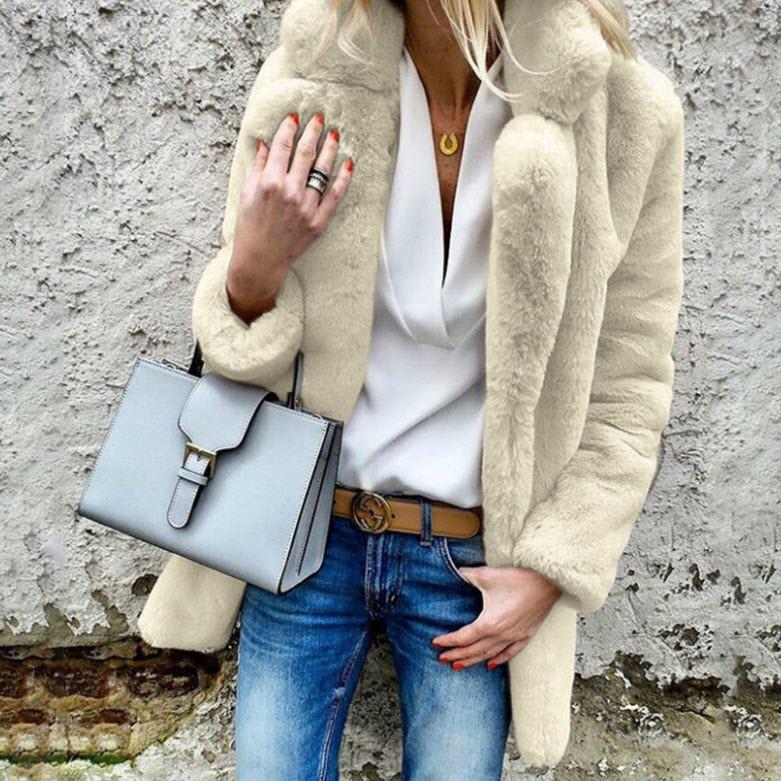 Стильное меховое пальто шубка