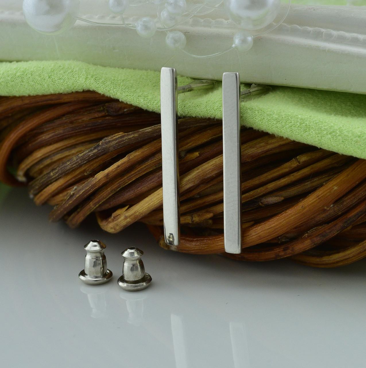 Серебряные серьги гвоздики размер 24х2 мм вес 1.5 г