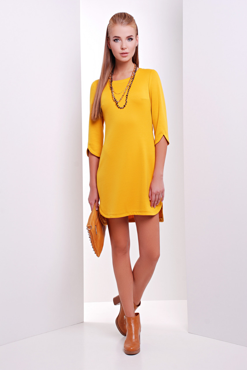 Платье однотонное трикотажное с разрезами на рукавах цвет горчица