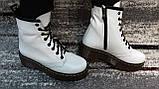 Жіночі демісезонні шкіряні черевики білого кольору в стилі Мартінс 36-40, фото 3