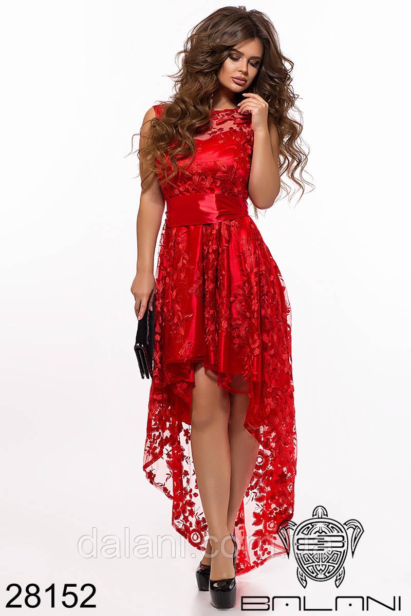 Вечернее красное атласное платье с вышивкой на сетке ассиметричное