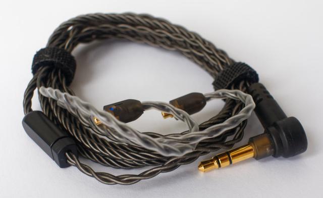 Картинка - Ara Campfire мониторные наушники - кабель в комплекте поставки