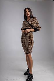 Элегантное короткое платье с V-вырезом на груди и спинке в 2 цветах в универсальном размере на 42-46