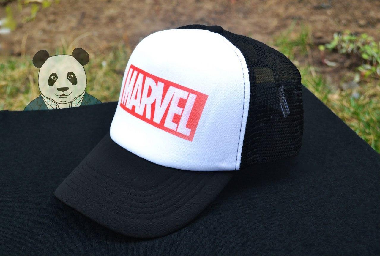 Кепка Тракер черная Marvel (люкс копия)