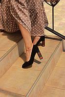 Замшевые женские туфли на каблуке