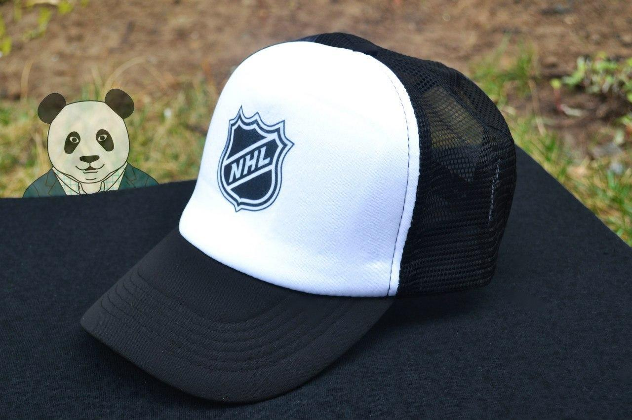 Кепка Тракер черная NHL (люкс копия)