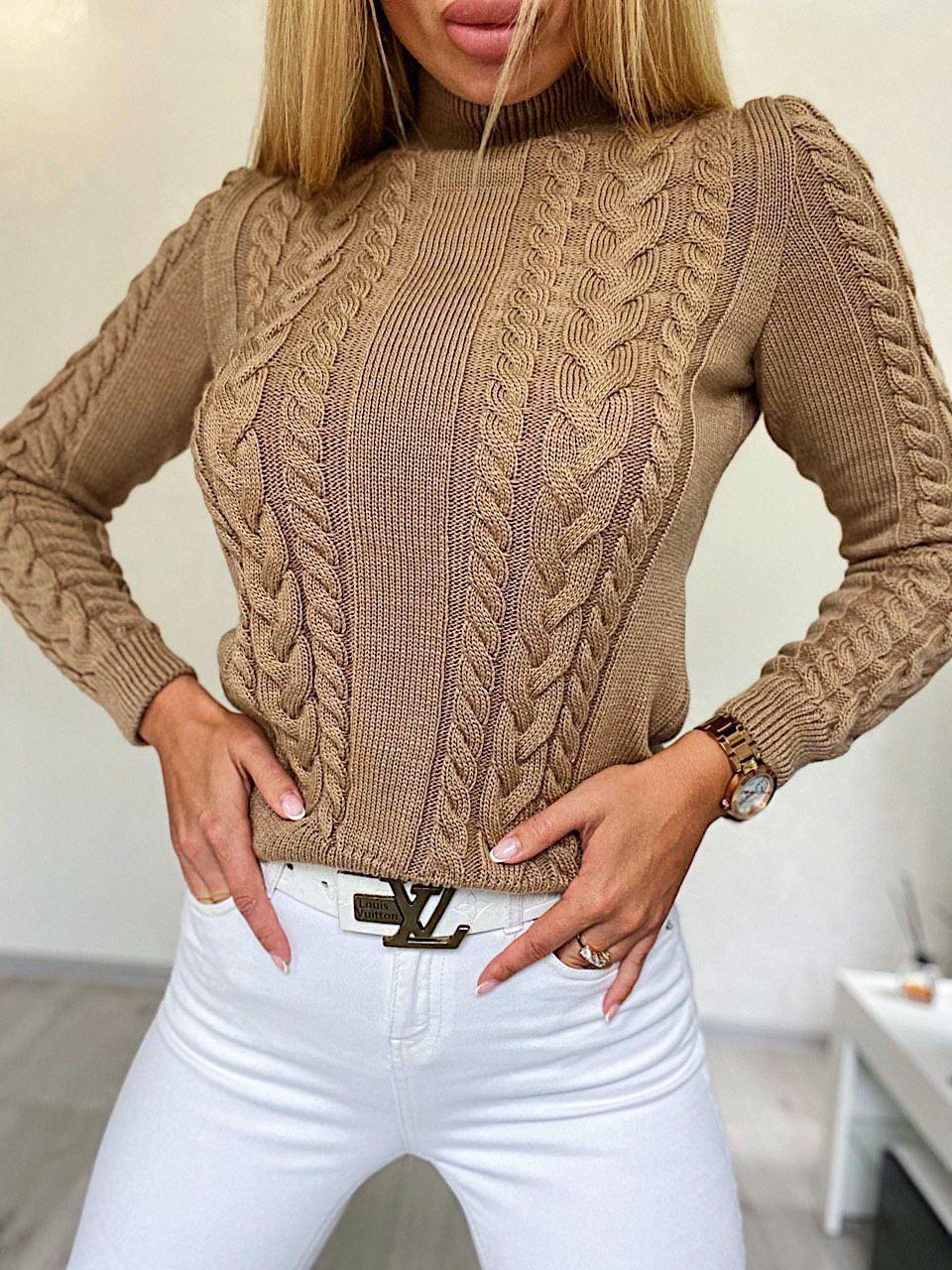 Женский приталенный вязаный свитер полушерстяной с узорами - косами (р. 42-46) 4dm966