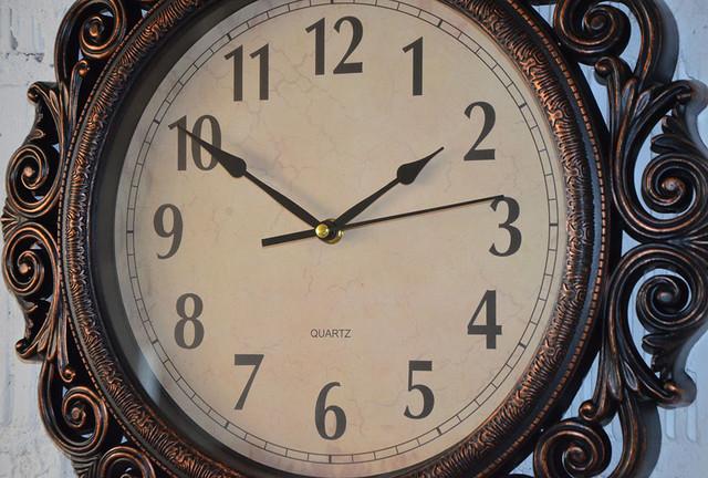 Фігурні настінні годинники (41 див.)