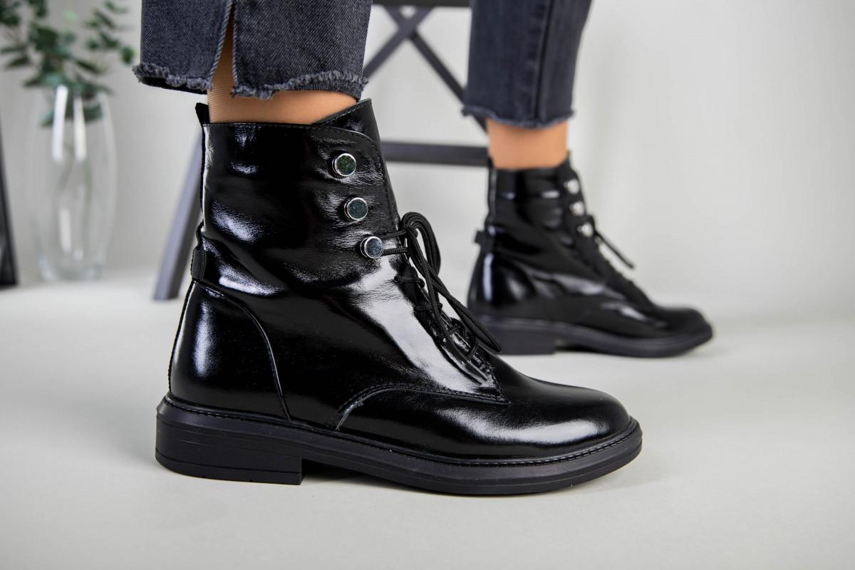 Ботинки женские кожа наплак черного цвета, на шнурках, зимние