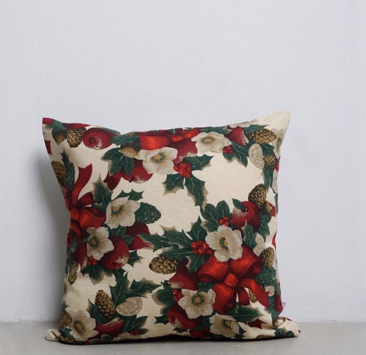 """Новогодняя подушка """"Flowers"""""""