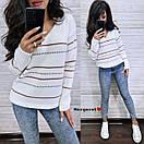 Женский вязаный свитер с V-вырезом и спадающим плечом, узор - тонкие полоски (р. 42-46) 9ddet961, фото 2