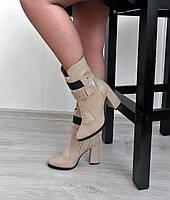 Бежевые ботинки на высоком каблуке от производителя