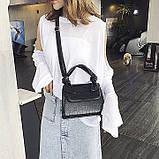 Женская большая квадратная сумочка на ремешке рептилия черная, фото 3