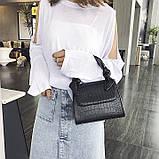 Женская большая квадратная сумочка на ремешке рептилия черная, фото 2