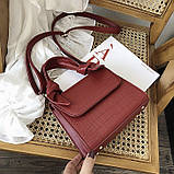 Женская большая квадратная сумочка на ремешке рептилия красная, фото 2